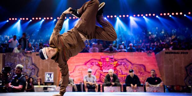 bboy breaking breakdance menno van gorp red bull