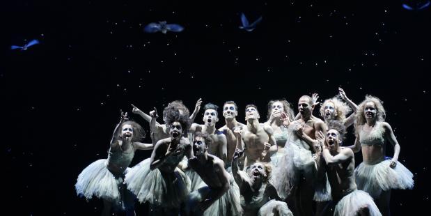 Foto Hans Gerritsen, Introdans - Cirkus Primitif Balet (Sapperdeflap)