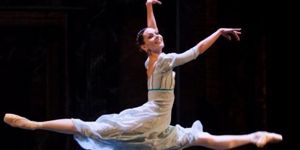 Igone de Jongh in Romeo en Julia  © Angela Sterling