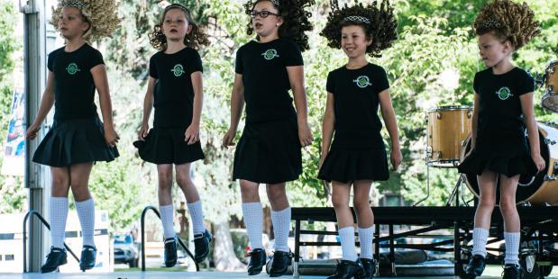 Traditionele cirkeldansen hebben een positieve invloed op de mentale gesteldheid van kinderen