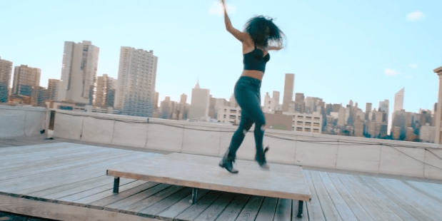The Movement by ELLE – tapdanseres Chloe Arnold