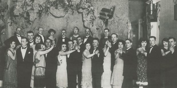 Het Nederlands kampioenschap dansen werd gehouden in Krasnapolsky, nadat burgemeester De Vlugt het dansen weer toestond in 1924.
