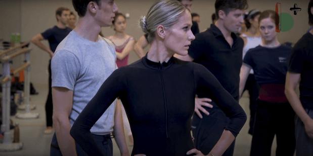 Beeld Tenminste Houdbaar Tot... dansers, via YouTube