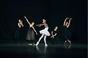 Puma ontwerpt op ballet geïnspireerde kledingcollectie © Puma