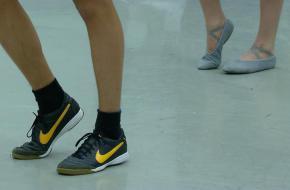 Bron: NTR - Voetballers dansen niet!