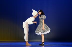 dutch don't dance division alice in winter wonderland cissoko review