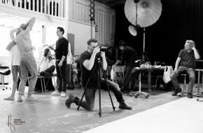 Casper Faassen en dansers van Het Nationale Ballet tijdens de totstandkoming van 'Moments', © Anne Reitsma Fotografie