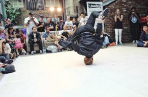 Red Bull BC One battle eerste B-Girl