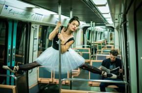 dans voertuig metro ballerina trein auto vliegtuig