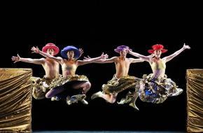 END OF SEASON  Introdans, dansers sluiten het dansseizoen af