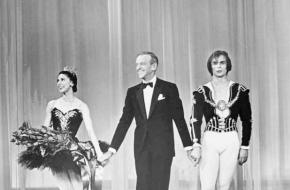 Foto van Margot Fonteyn, Fred Astaire en Rudolph Nureyev tijdens tv-optreden in 1965 voor The Hollywood Palace.