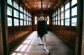 Foto van een dansers maken met mobiel. Foto via Unsplash.com