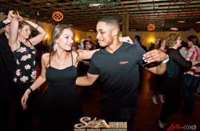 Salsaventura salsa dansfeest