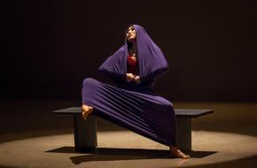 Peiju Chien-Pott in Martha Grahams 'Lamentation', Brigid Pierce
