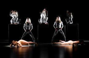 Dansvoorstelling Silver © Annemone Taake