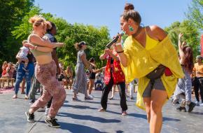 Los gaan tijdens het Amsterdam Roots Festival 2019