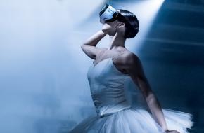 Campagnebeeld Night Fall met Melissa Chapski. © Altin Kaftira