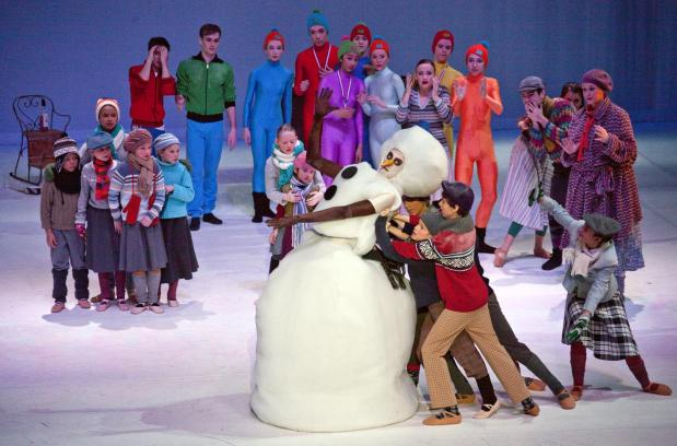 feest dansers enorme borsten in Muiden